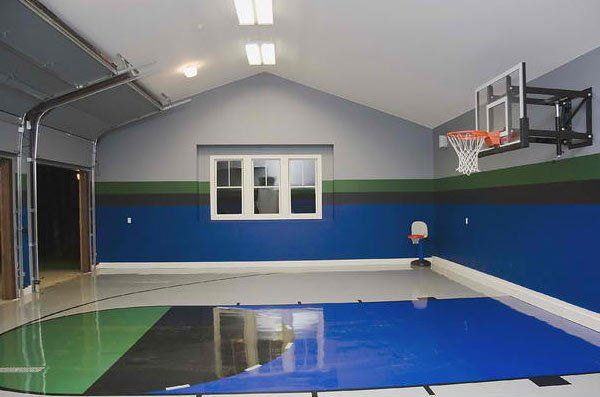 15 Ideas For Indoor Home Basketball Courts Home Design Lover Home Basketball Court Basketball Court Backyard Home Gym Design