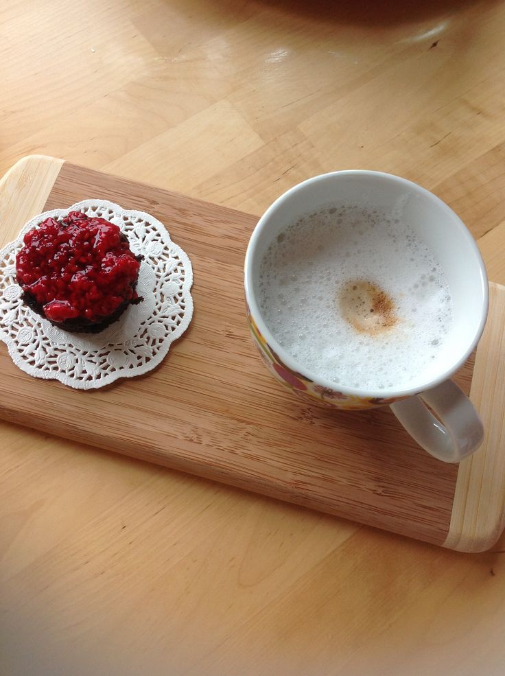 Chocolate cake with raspberry souce