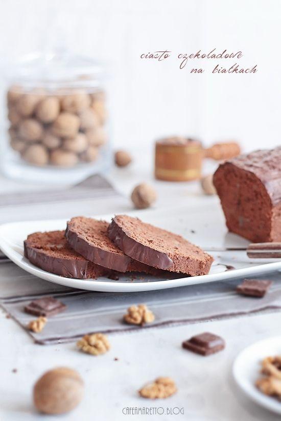 Cafe Amaretto: Ciasto czekoladowe na białkach