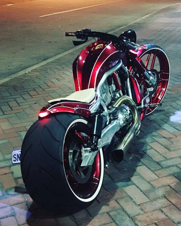 Harley Davidson V-Rod by Sinistar Customs