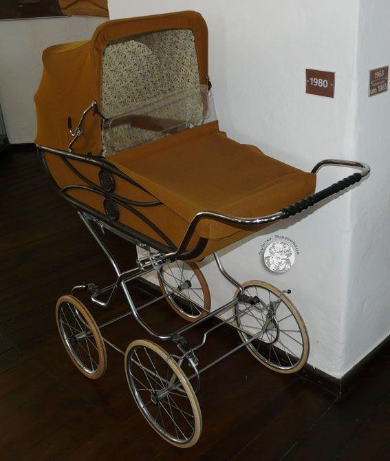 451 best retro detsk ko k images on pinterest baby carriage vintage pram and pram stroller. Black Bedroom Furniture Sets. Home Design Ideas