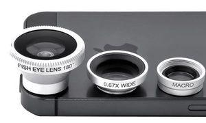 Groupon - Universele 3-in-1 smartphone cameralens in verschillende kleuren in [missing {{location}} value]. Groupon-dealprijs: €9,99