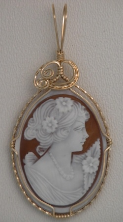 Wire Wrapped Cameo Jewelry. Have always thought cameo to be delicate and pretty.