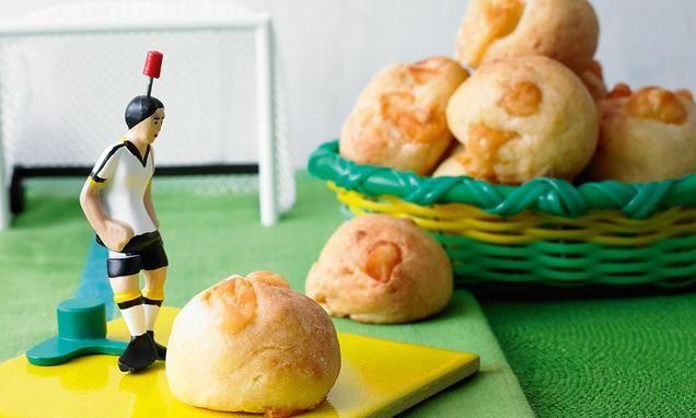 Brasilianische Käsebrötchen (Pão de queijo)