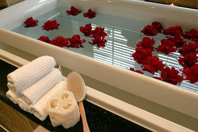 Romantic Valentine's Bath... floating Red Roses