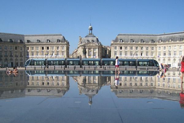 Place de la bourse miroir d 39 eau bordeaux pinterest for Miroir d eau bordeaux