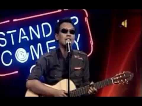 Stand Up Comedy Gaya Rhoma Irama, stand up comedy rhoma irama, stand up comedy adalah suatu lawakan yang sangat populer di indonesia. stand up comedy pertama