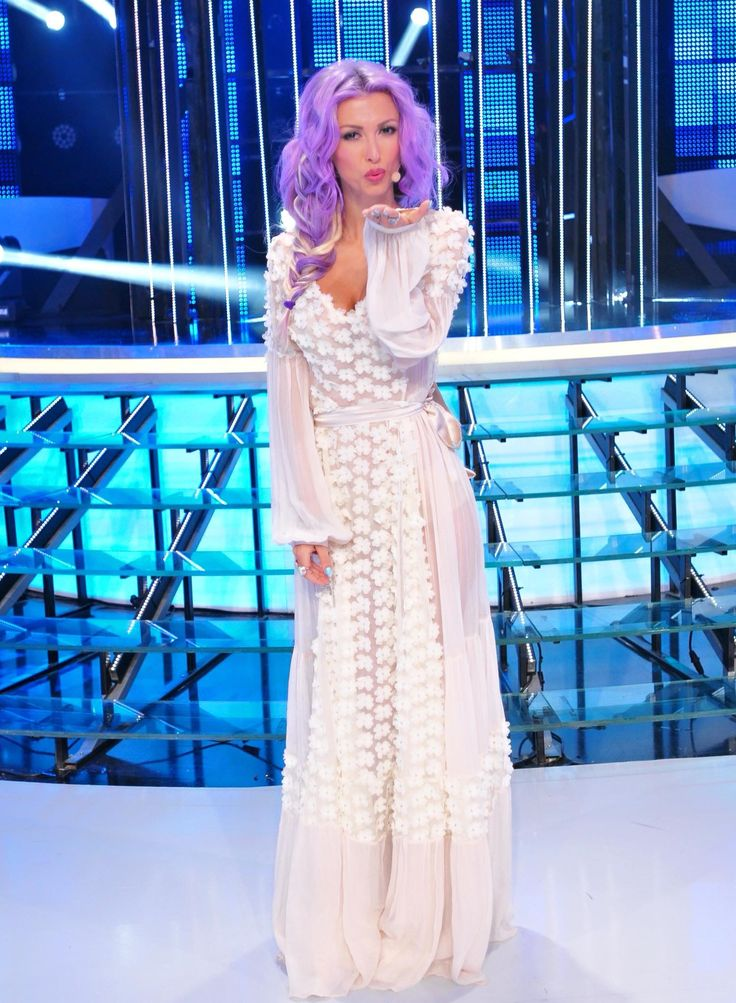 White dress (Andreea Balan)