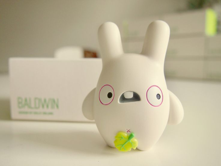 "Dolly Oblong — Baldwin (3"" resin toy)"