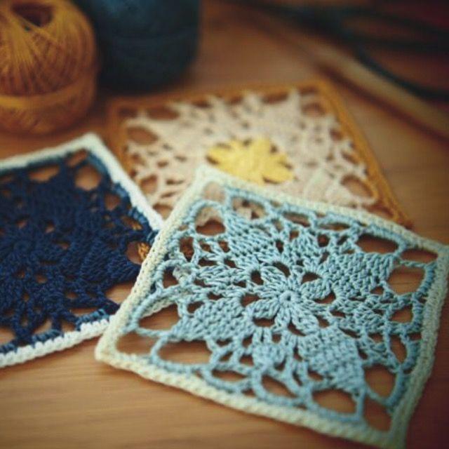 手前の水色のドイリーで紹介します。Noteエミーグランデハーブス Color No.341エミーグランデ Color No.8042/0号かぎ針・10cmPatternmemo作り目はわから編む方法で細編み8目。前段の鎖編みに編むところは束で拾って編みます。