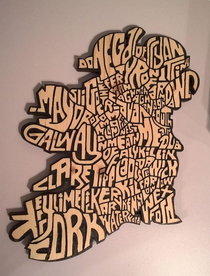 Prodotti O'Flanker.com Mappa Irlanda con nomi contee. Prodotto in legno di abete inciso a mano