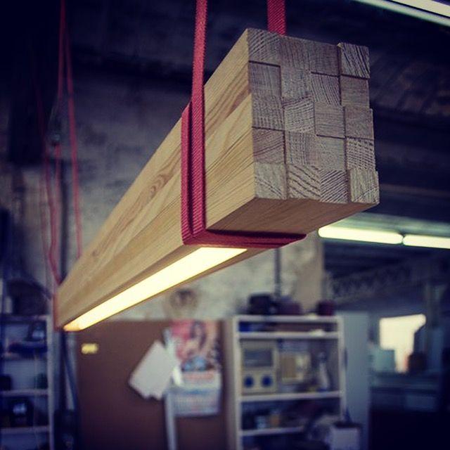 How to DIY pimp your workshop light.