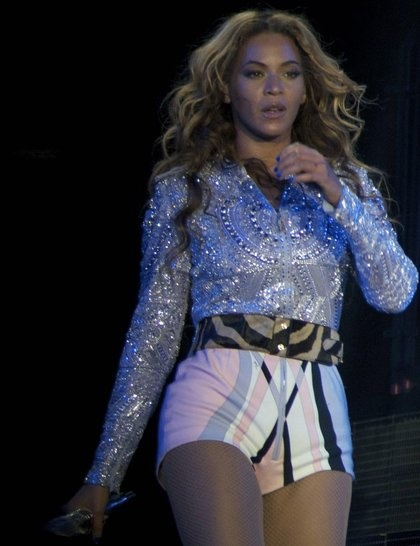 Emilio Pucci's 'modern take on glamour': high waisted print shorts and an embellished shirt - Beyonce's Mrs Carter tour