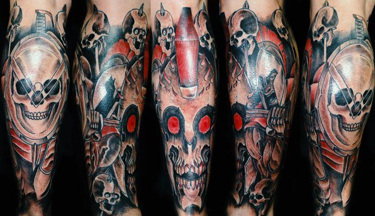 Shino-Patrick Sanner - Devils Hand Tattoo Braunschweig- Bein Sleeve Schädel Sparta 300