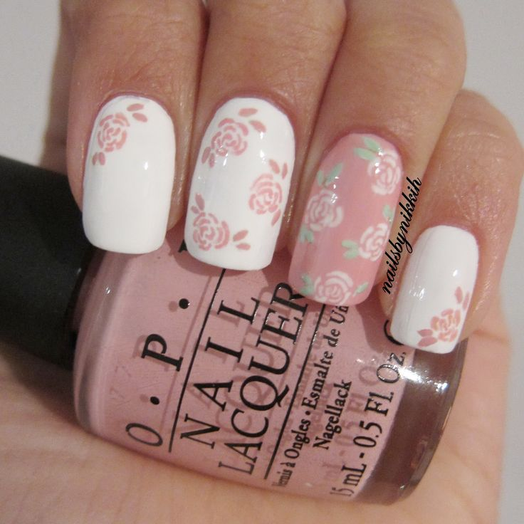 I love these floral nails! They'd be perfect for summer.