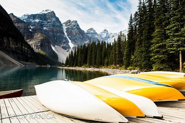 Canoes at Moraine Lake