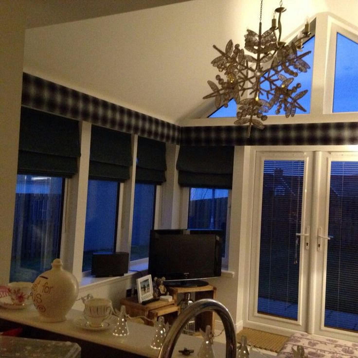 Sunroom blinds tartan pelmet