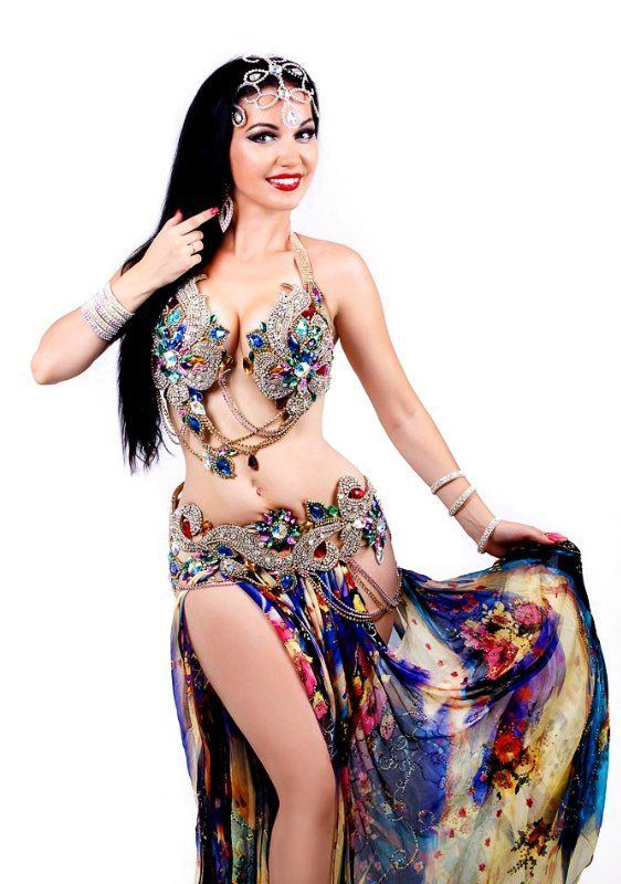 Дизайн костюмов для восточных танцев от Майи Лихачевой - Страница 1 - Форум танца живота