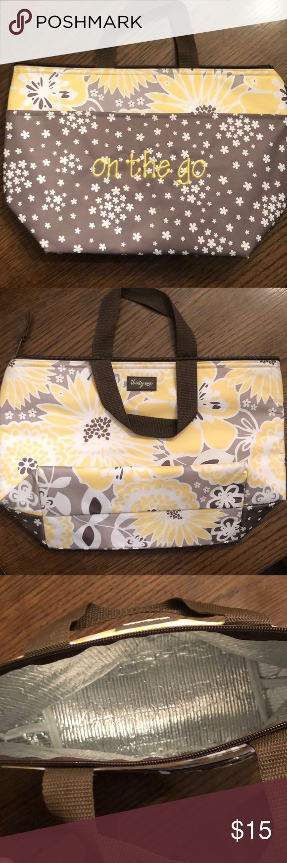 Thirty One lunch bag Like new! Zero flaws! Nice size with outer pocket! thirty one Bags