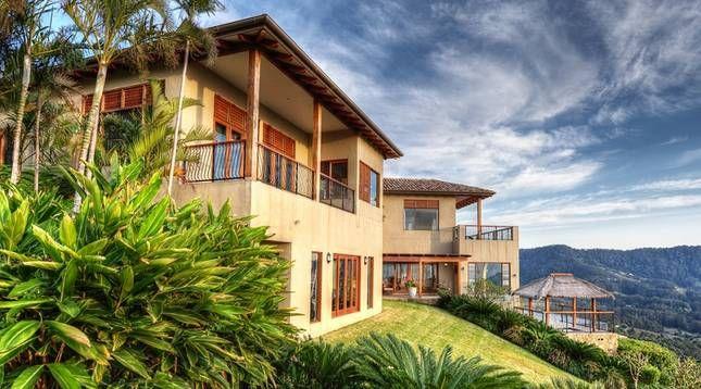Stunning luxury villa @ Villa Vivante   Coffs Harbour, NSW   Accommodation. 2014 National Indulgence Award Winner. From $1100 per night. Sleeps 11.