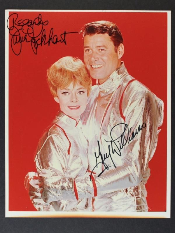 LOST IN SPACE CAST SIGNED 8 x 10 PHOTO~GUY WILLIAMS~JUNE LOCKHART~