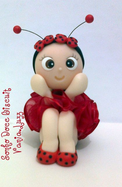 Joaninha =) by Sonho Doce Biscuit *Vania.Luzz*, via Flickr