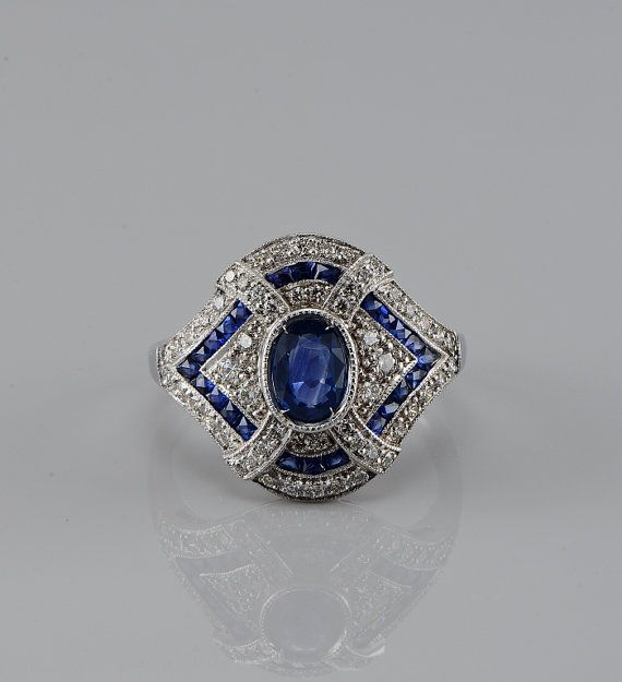Spectacular platinum Art Deco natural sapphire and diamond rare ring