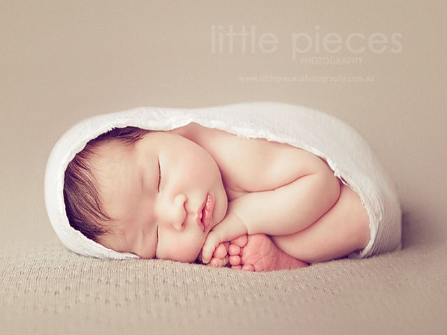 photography interview with Australian newborn photographer Kelly Brown