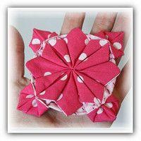 Цветок оригами из ткани.
