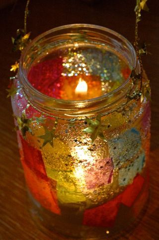 love the glitter. must make new lanterns for martinmas this year. :)