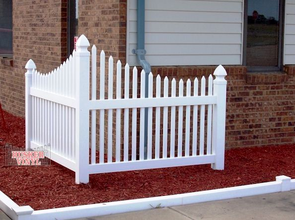 Landscape Corner Fence To Help Keep The Kids In The Yard