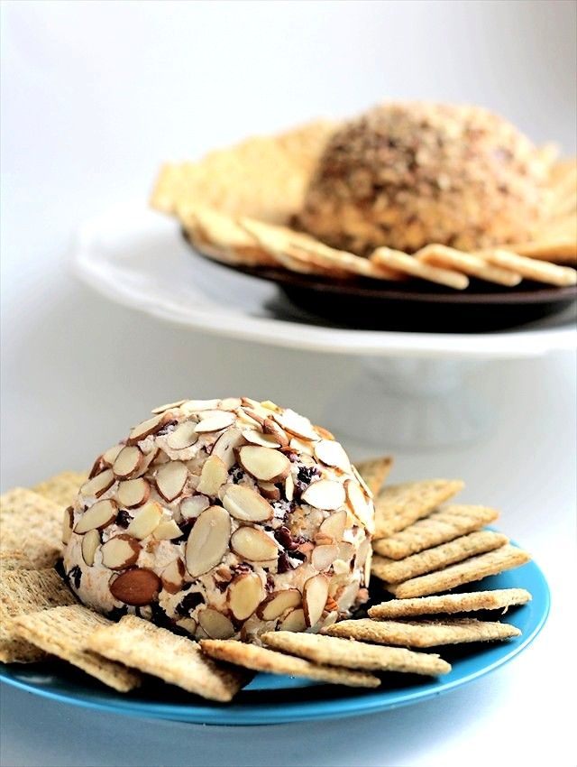 How to make a cheese ball {it's easy!} using my favorite basic recipe plus variations- Bacon Pecan and Cranberry Almond.