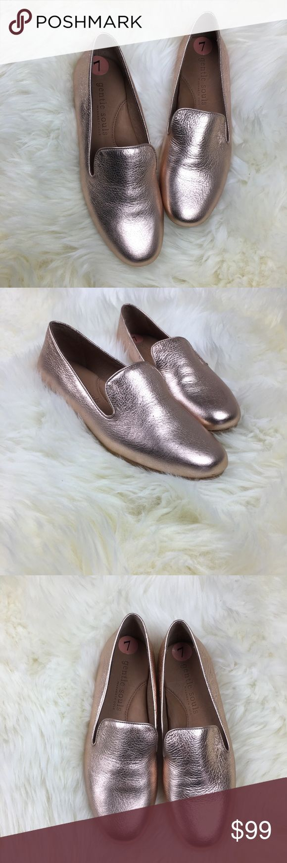Gentle Souls by Kenneth Cole Rose Gold Loafers 7 Gentle Souls by Kenneth Cole Rose Gold Loafers Sz 7 Brand new with tags. Slight wear on soles from try-ons. Padded insoles. Bundle three or more items and save 15% off! Kenneth Cole Shoes Flats & Loafers
