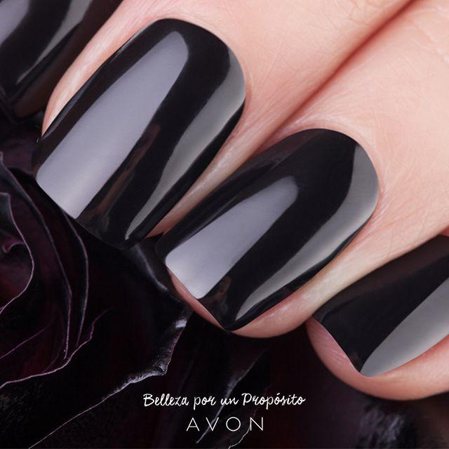 Manos sutiles y elegantes. Decile sí al negro.
