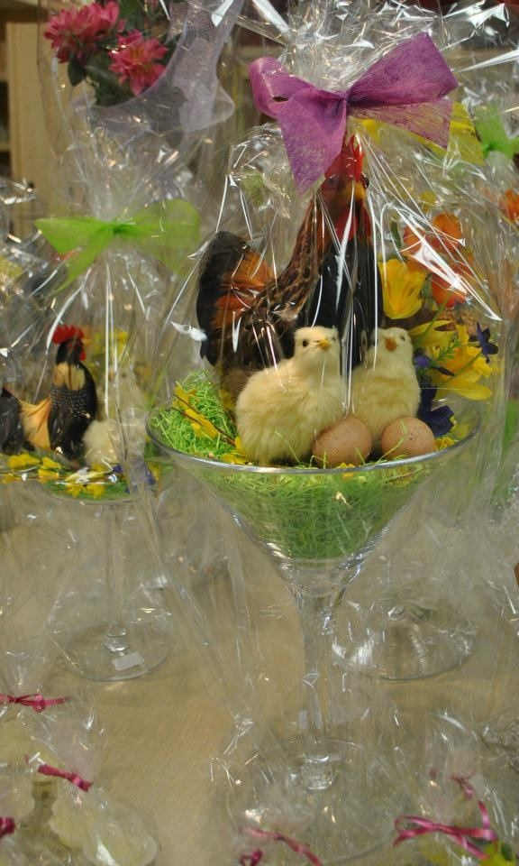 Unique Easter centerpieces, found in store at Dom itpEaster Centerpiece