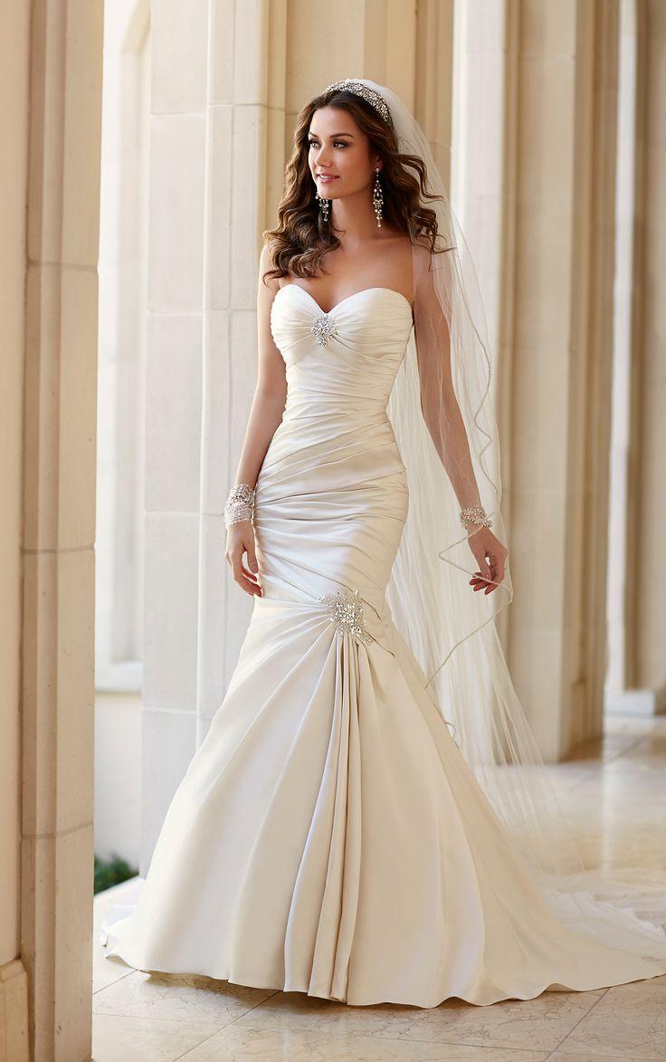 Extravagant Stella York Wedding Dresses. To see more: http://www.modwedding.com/2014/06/25/extravagant-stella-york-wedding-dresses-2/  #wedding #weddings #wedding_dress
