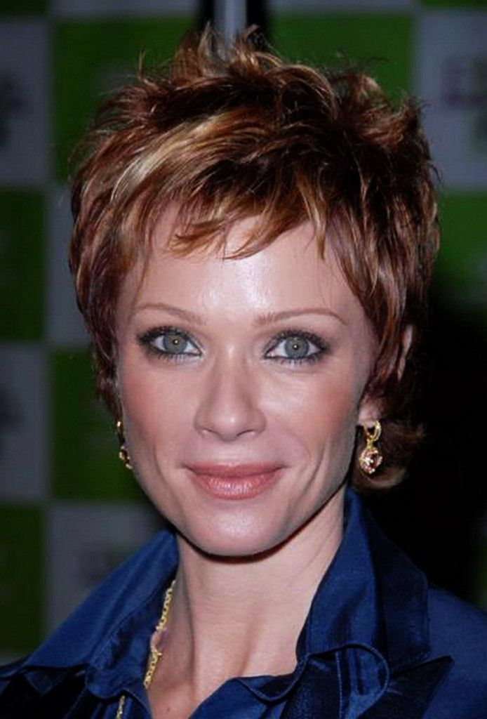 hairstyles for women over 50 and round faces