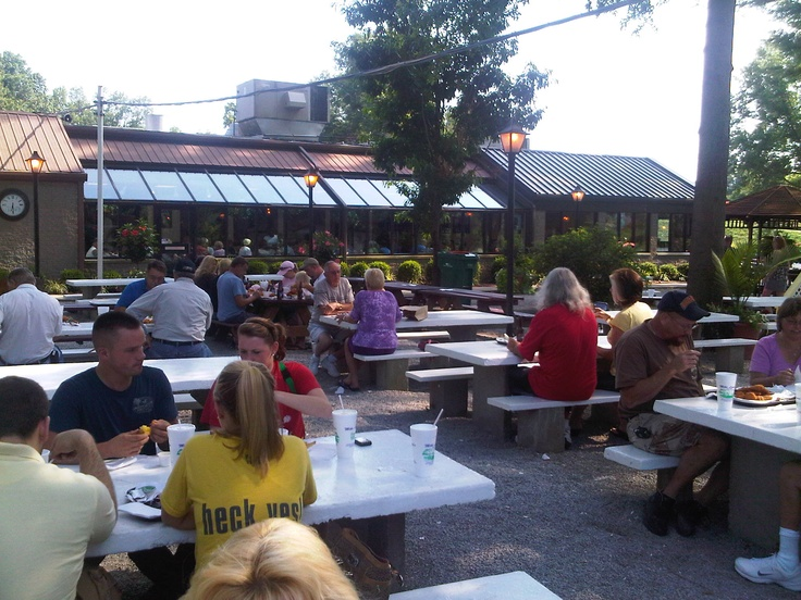 Mike linning 39 s restaurant valley station louisville ky for Fishing in louisville ky