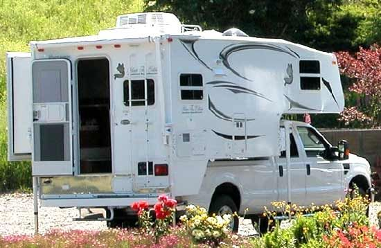 Northwood Arctic Fox truck camper exterior 2