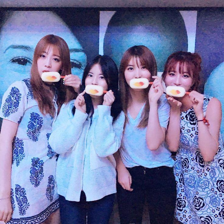 Young Ji Kim instagram update with Sohyun, Dohee, etc.