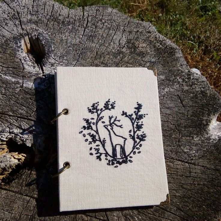 Hand embroidered scetchdook with watercolor paper. #bookbinding #embroidery #embroidery #embroideryart #вышивка #скетчбук #sketchbook #scketchbook #forest #deer #handembroidery
