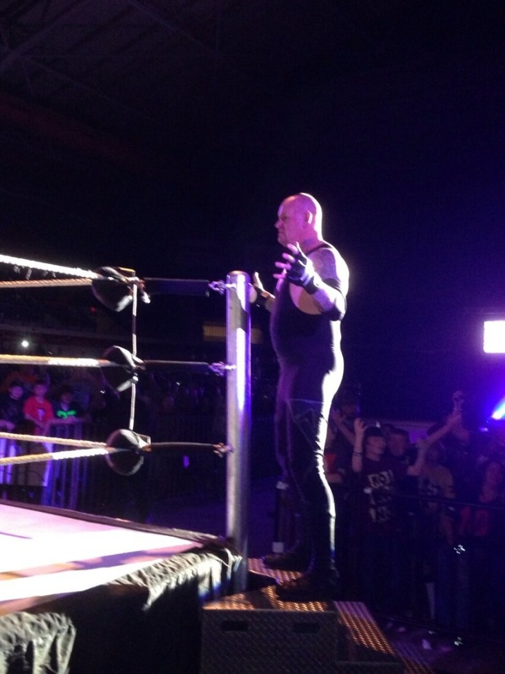 The Undertaker Returns to Action at WWE Live Event In Texas - http://www.wrestlesite.com/wwe/the-undertaker-returns-to-action-at-wwe-live-event-in-texas/