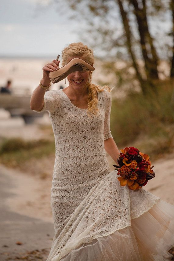 Handknitted exclusice and romantic wedding dress by HaapsaluShawls