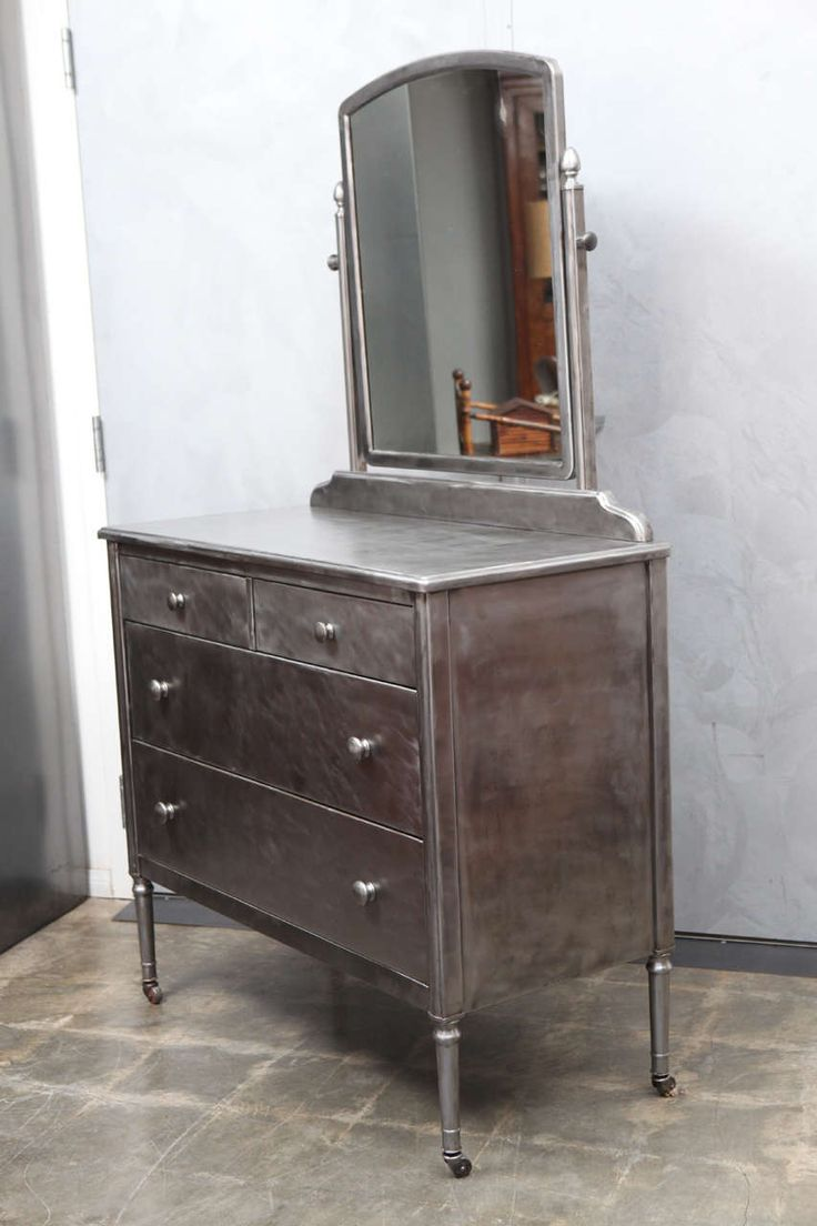 1930's Simmons Furniture Chest of Drawers w/Mirror image 9