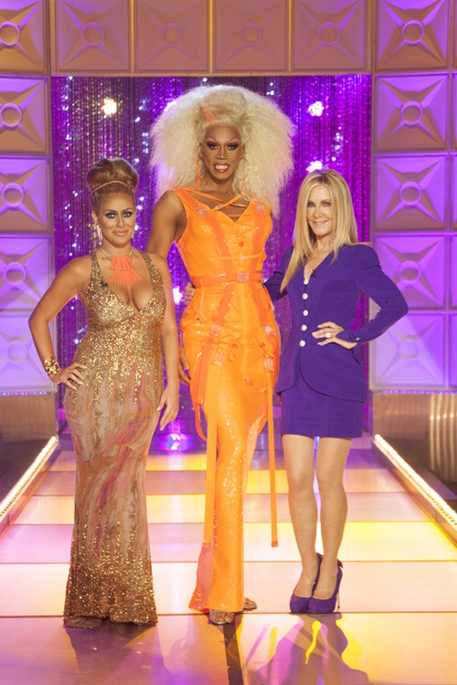 This Monday the legendary Joan Van Arc and Aubrey O'Day joins RuPaul's Drag Race at 9/8c on @LogoTV !