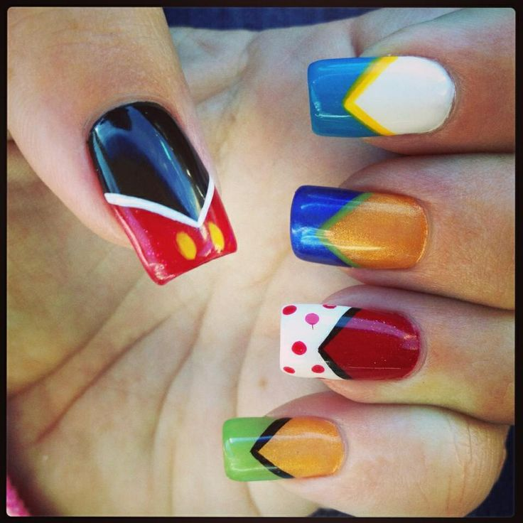 Disney inspired Mickey Mouse, Minnie Mouse, Donald Duck, Goofy and Pluto nail art