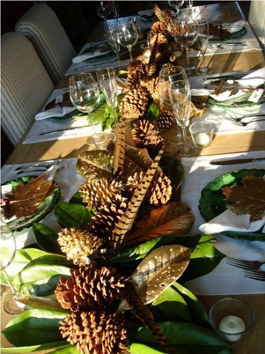 Thanksgiving or Christmas Table - So Chic !pine cones, feathers, magnolia leaves, A Very Southern Display