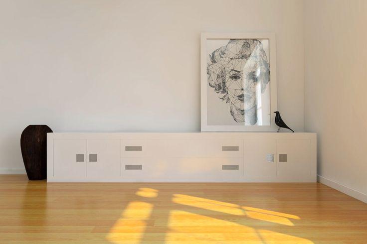 Tiradores encastados en formas redondas y rectangulares.  Mueble blanco #arcon #pomos #tiradores #enrasados #encastados #asas