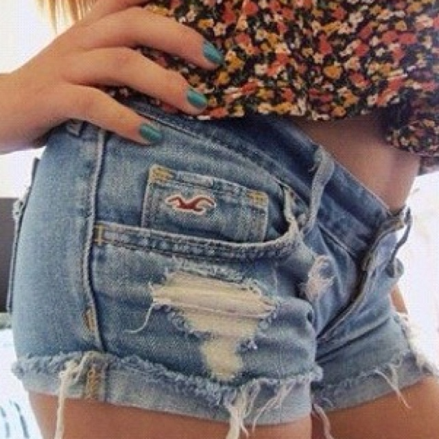 I want a pair of Hollister shorts so bad