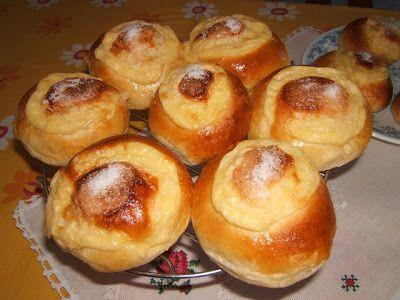 Panes de leche con crema pastelera